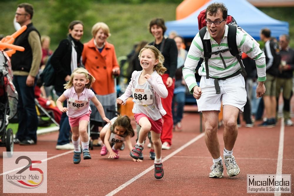 (c) Michael M. Roth, MicialMedia | Training vor Kinderlauf