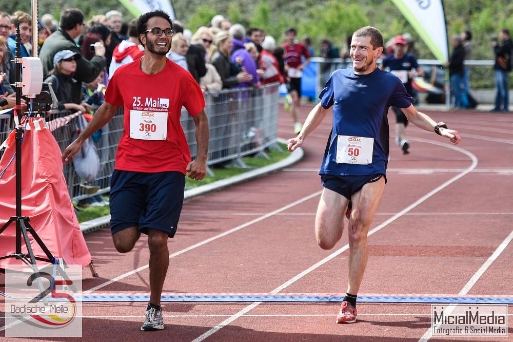 (c) Michael M. Roth, MicialMedia | Zieleinlauf beim Hauptlauf (8,88 km)