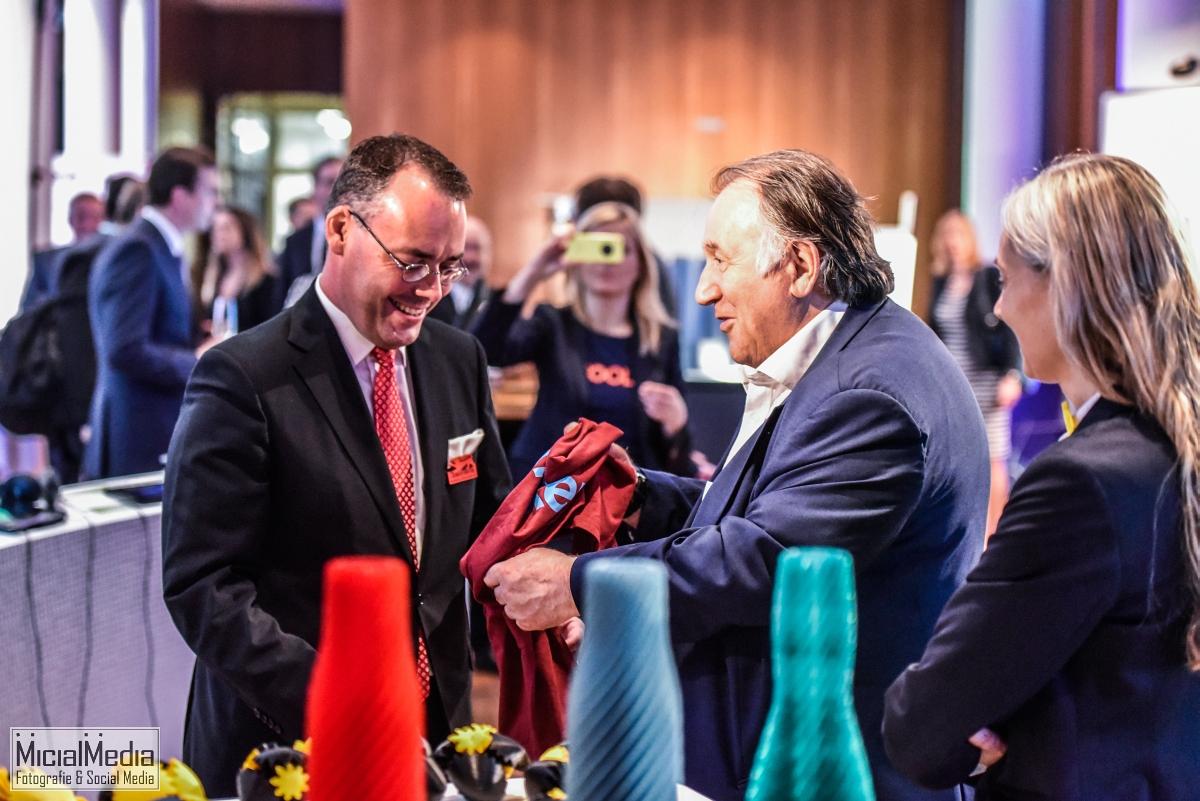 Minister Friedrich und Peter Weibel, Leiter des ZKM in Karlsruhe