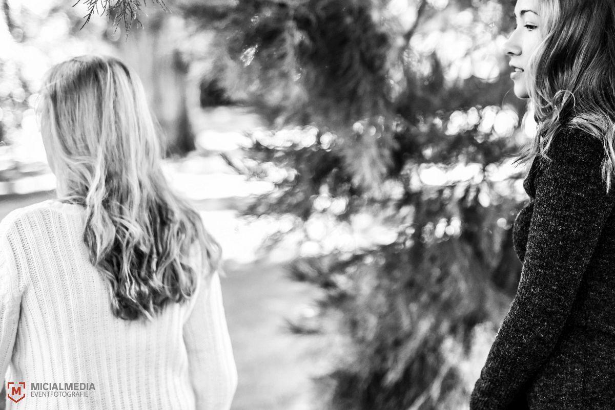 Foto: MicialMedia | Elvira und Kamilla im Botanischen Garten Karlsruhe