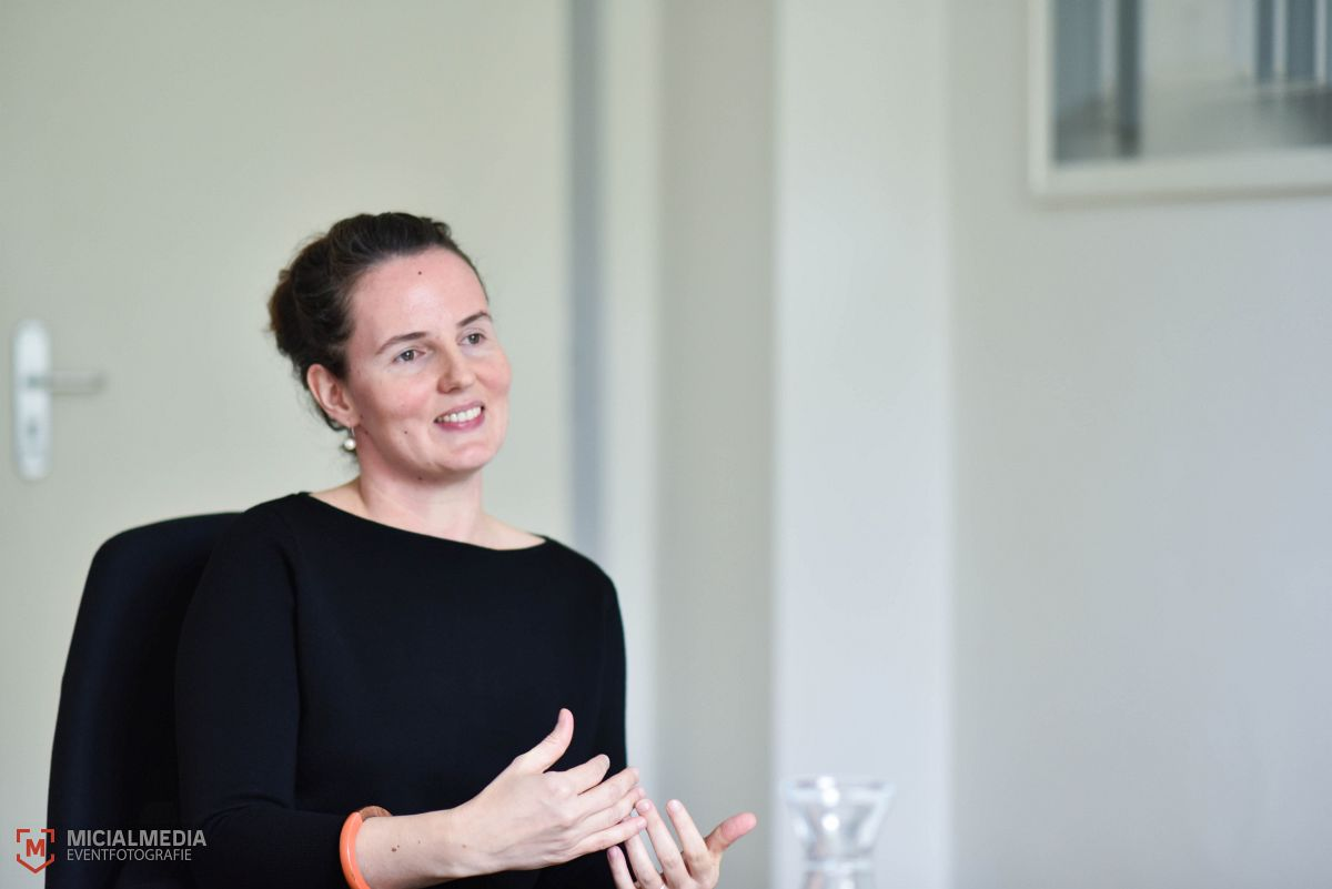Foto: MicialMedia | Sozialmanagerin der Volkswohnung, Anja Kulik, im Interview