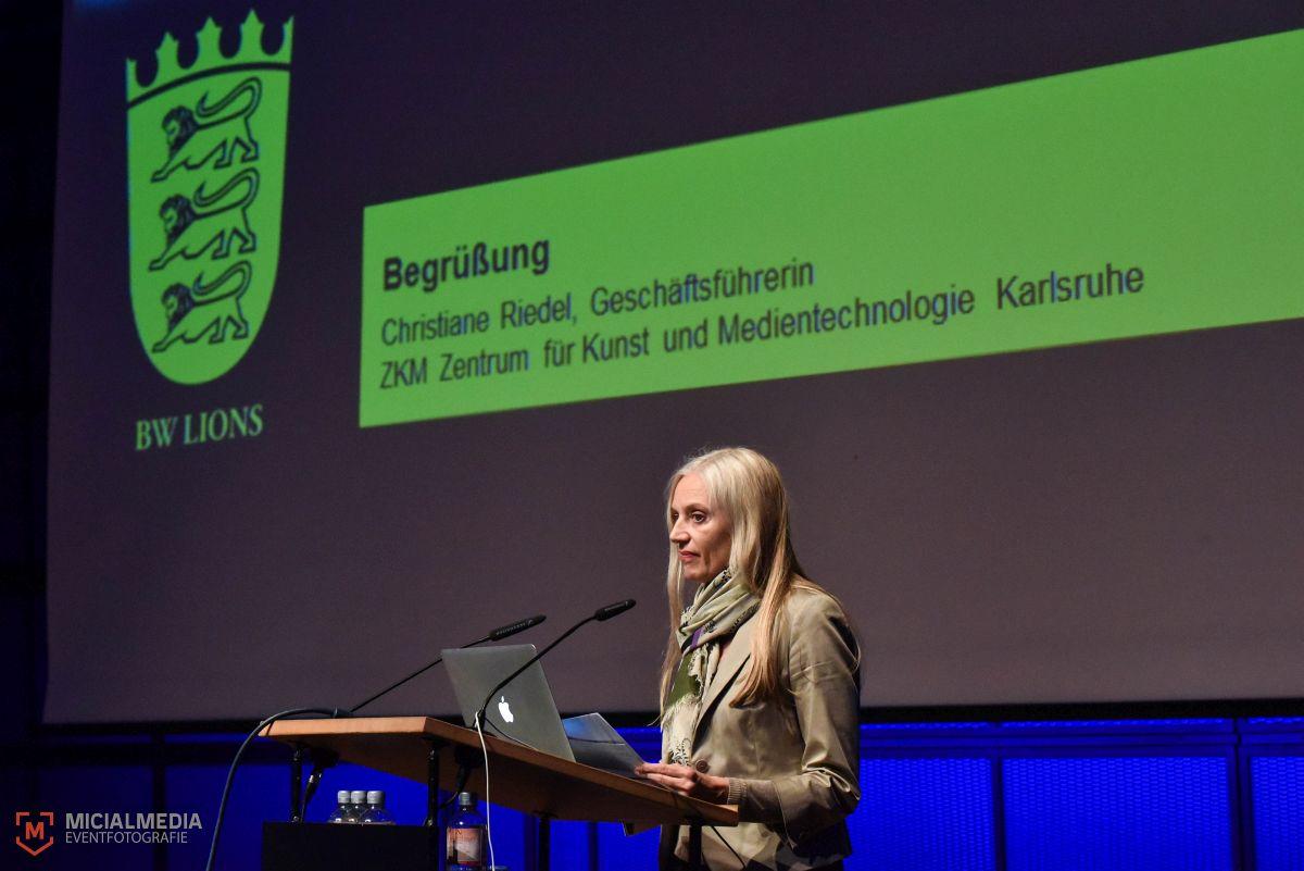 Foto: MicialMedia | Geschäftsführerin des ZKM, Christiane Riedel, beim BWLions Cannes Report