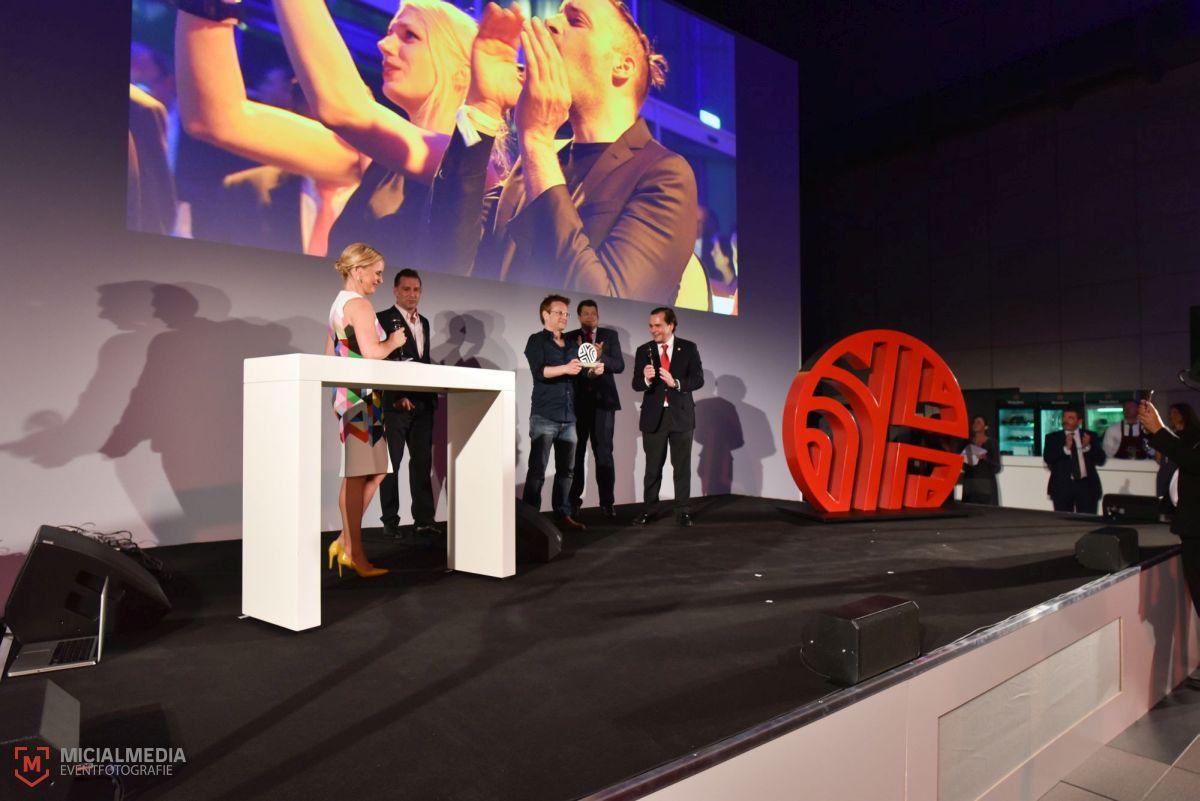 Glücklicher Gewinner des Video Art Award: Vadim Schäffler | Foto: Michael M. Roth, MicialMedia