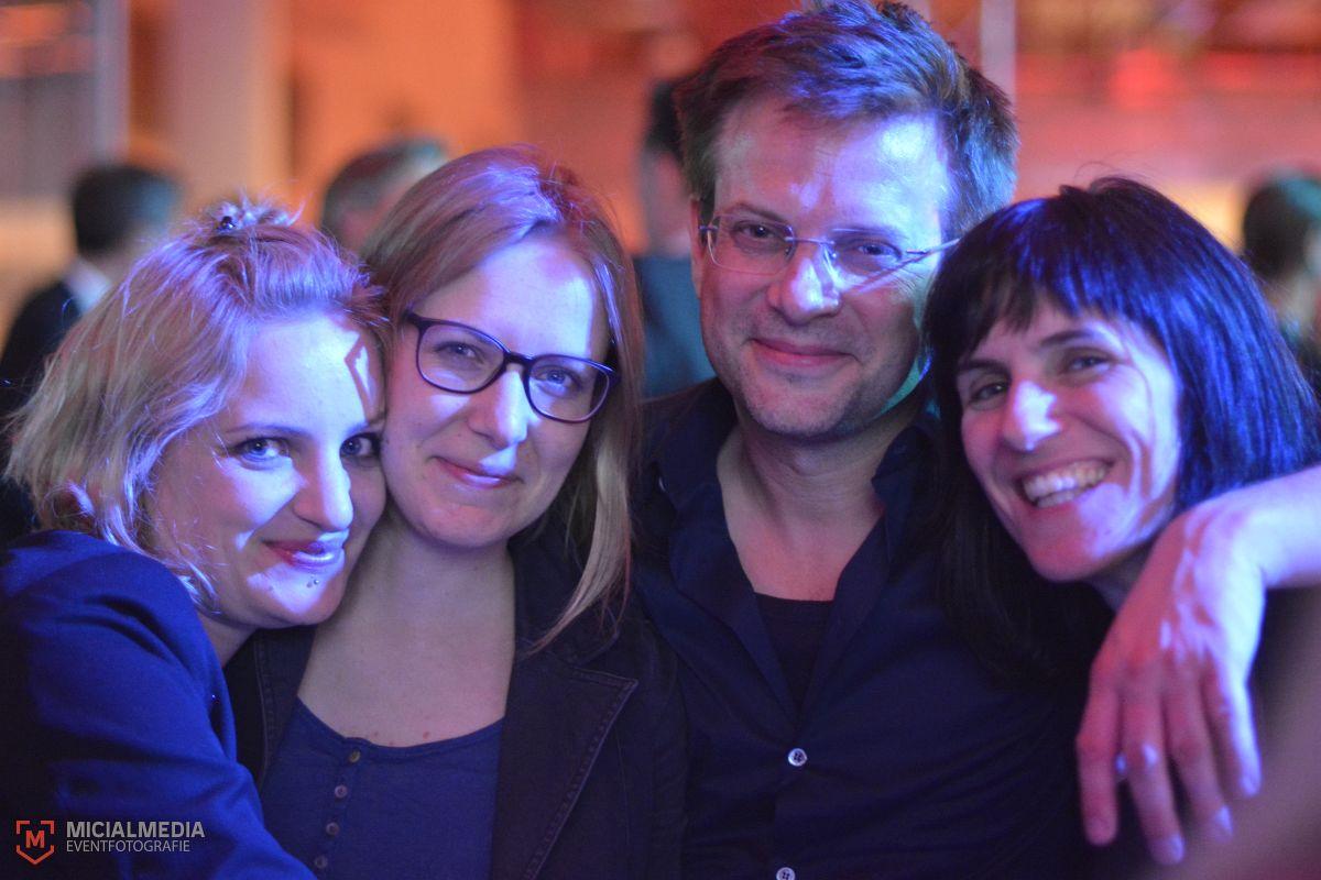 Mit dabei: Sarah Mock (links, Nominierte des Video Art Award) und Vadim Schäffler (Video Art Award Gewinner)